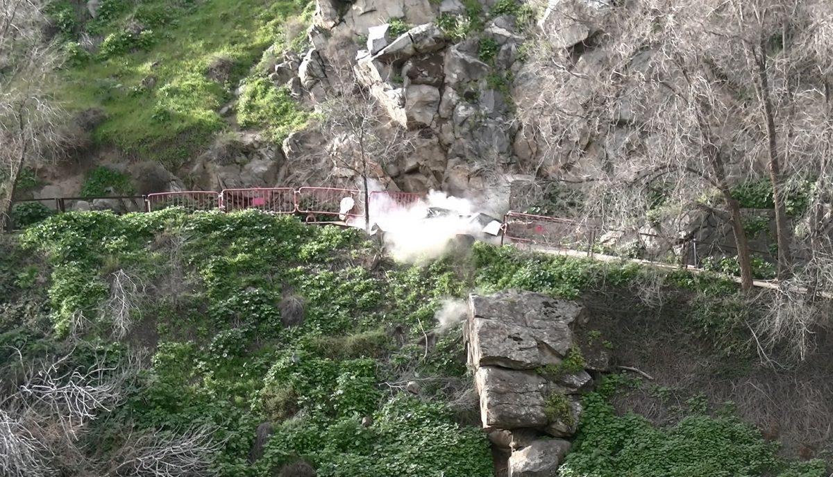 https://www.toledo.es/wp-content/uploads/2020/01/voladura-controlada-senda-ecologica_28012020-1200x687.jpeg. Avanzan los trabajos de mejora y seguridad de la senda ecológica con la retirada de rocas y la colocación de mallas y barreras