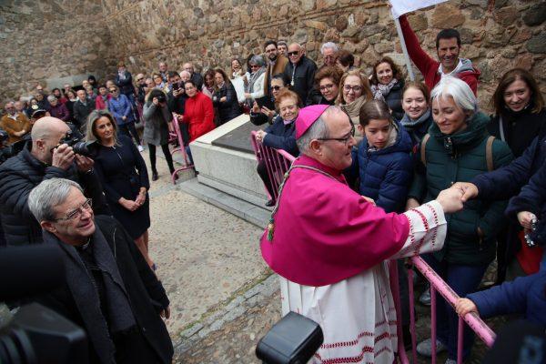 14_posesion_arzobispo