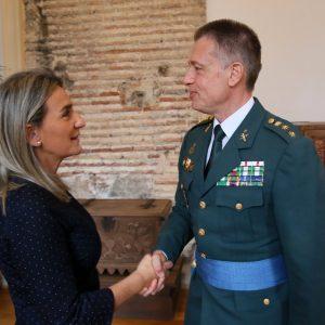 ilagros Tolón recibe en el Ayuntamiento al nuevo jefe de la Comandancia de la Guardia Civil en Toledo