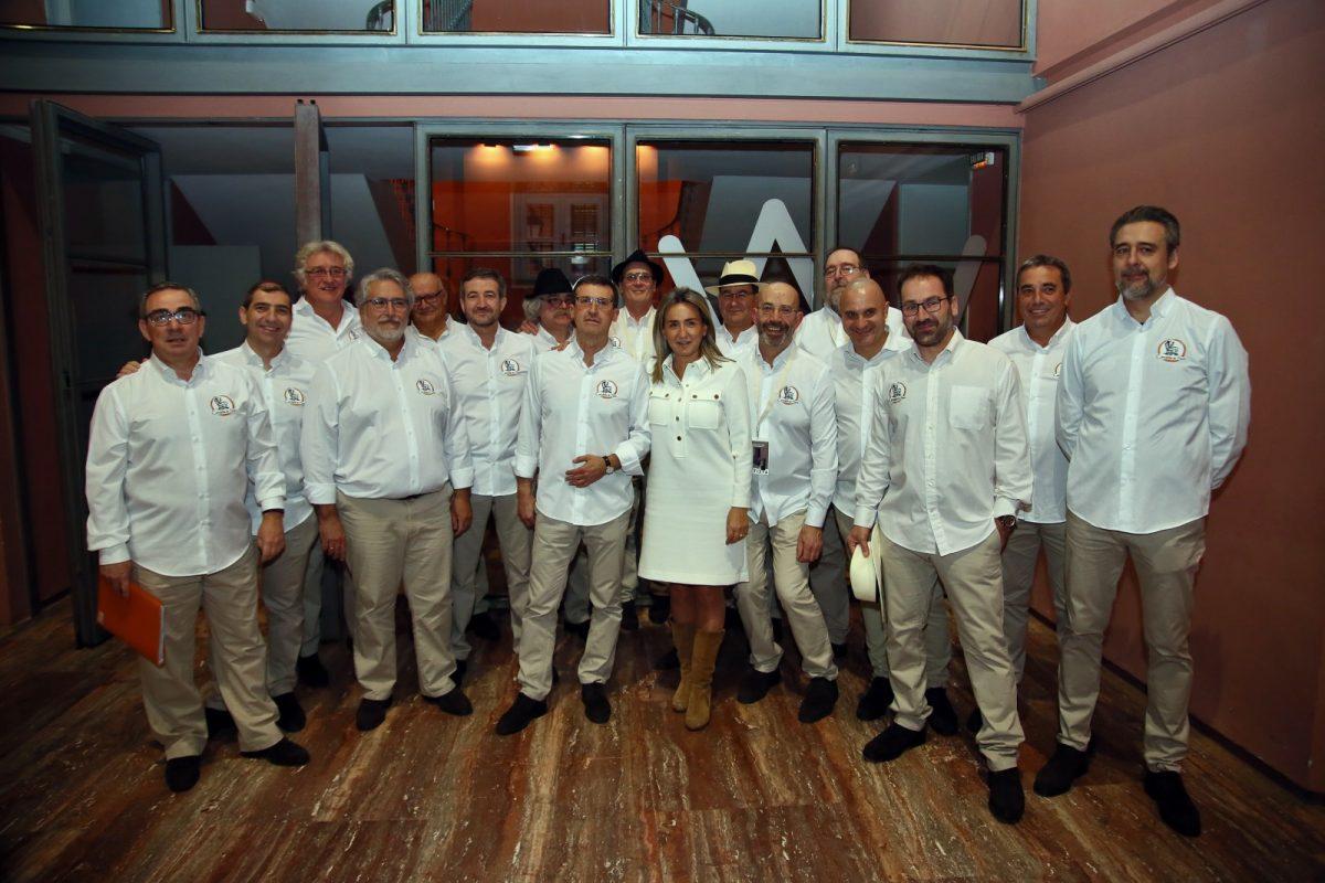 https://www.toledo.es/wp-content/uploads/2020/02/1_festival_son-1200x800.jpg. La alcaldesa asiste al II Festival del Son que llena el Teatro de Rojas en el marco del programa Toledo Enamora 2020