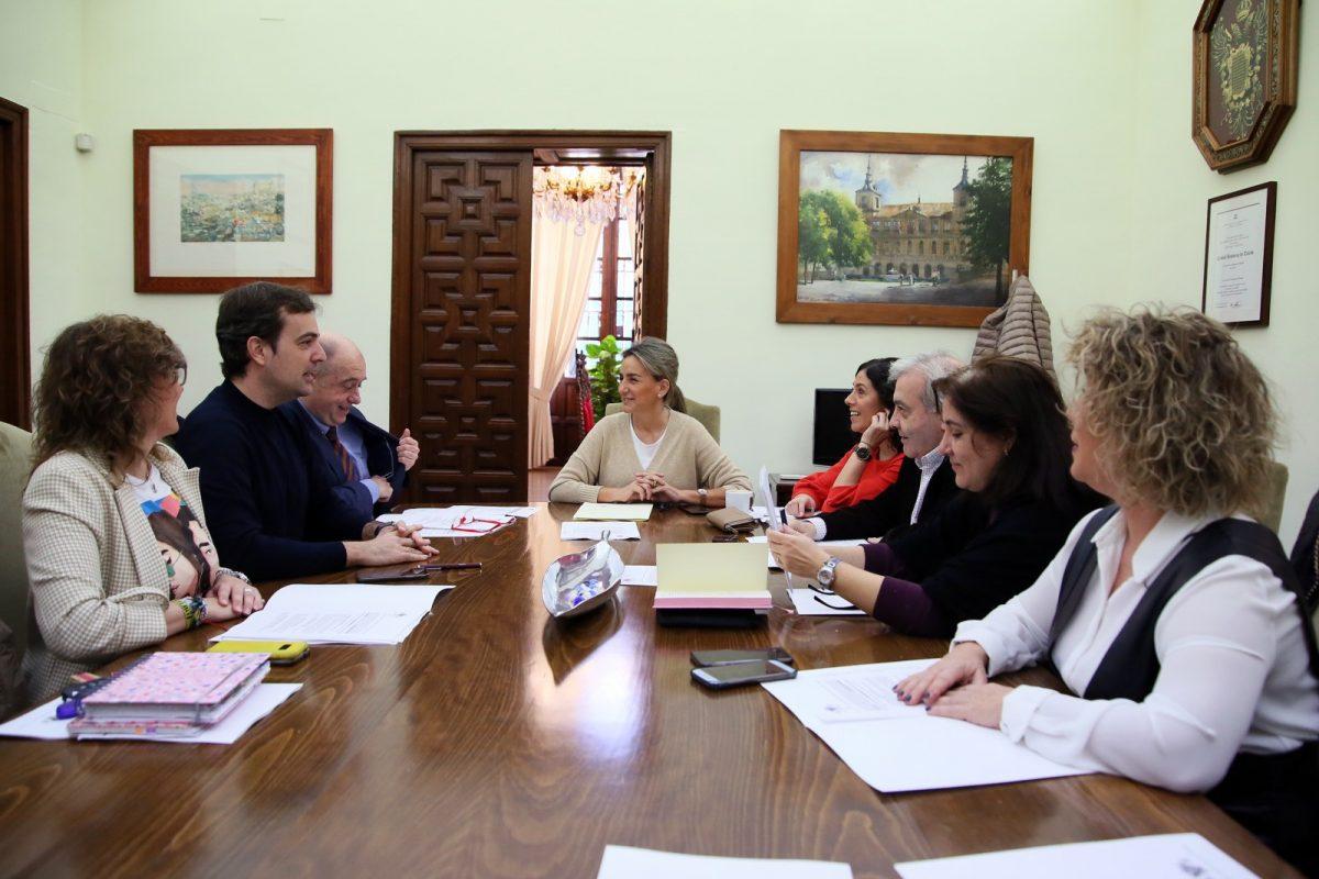 http://www.toledo.es/wp-content/uploads/2020/02/2_junta_gobierno-1200x800.jpg. La Junta de Gobierno Local inicia los trámites para adquirir la autobomba ligera para el Servicio de Extinción de Incendios