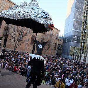 na multitudinaria fiesta en la plaza del Embarcadero pone el broche final al Carnaval de Toledo más participativo, inclusivo y accesible