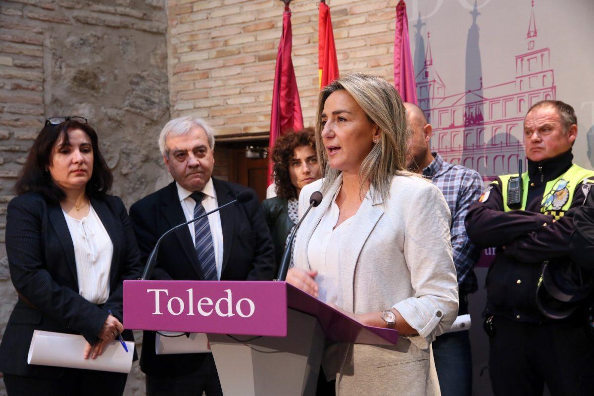 https://www.toledo.es/wp-content/uploads/2020/02/8_firma_convenio_movilidad-1200x800.jpg. La alcaldesa anuncia una subida del 2 por ciento en el salario de los empleados municipales con carácter retroactivo desde enero