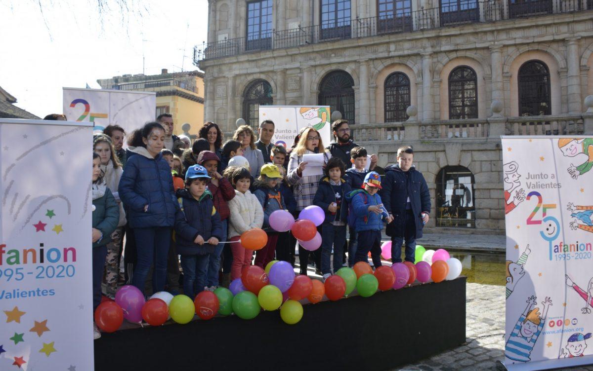 https://www.toledo.es/wp-content/uploads/2020/02/acto-afanion-02-1-1200x752.jpg. El Ayuntamiento se suma al manifiesto de Afanion, 'No más barreras', con motivo del Día Internacional del Cáncer Infantil