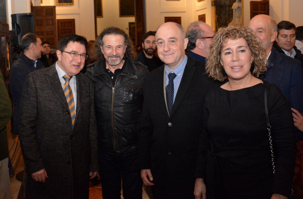 https://www.toledo.es/wp-content/uploads/2020/02/exposicion-jm-cano-01-1200x788.jpg. El equipo de Gobierno asiste en la Catedral, a la inauguración de la exposición 'Apostolados' del pintor José María Cano
