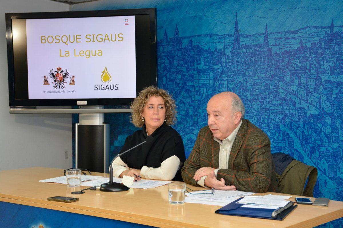 https://www.toledo.es/wp-content/uploads/2020/02/marta-medina_sigaus-1200x800.jpg. El Ayuntamiento y la empresa Sigaus firman un convenio para la plantación de un nuevo bosque urbano con 1.000 árboles en La Legua