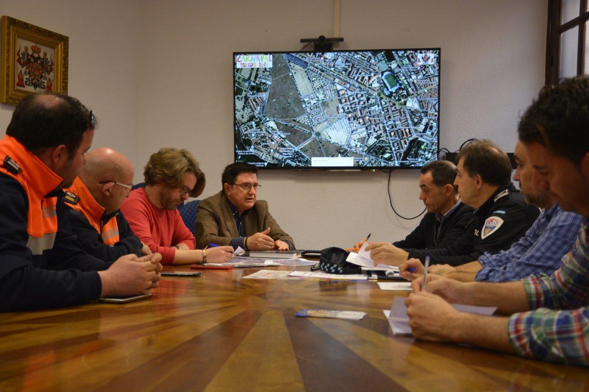 https://www.toledo.es/wp-content/uploads/2020/02/teo-garcia_coordinacion-carnaval_20200219-1200x800.jpg. El Ayuntamiento cierra los detalles de movilidad y seguridad del Carnaval en una reunión de trabajo con Policía Local y Protección Civil