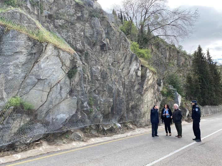 http://www.toledo.es/wp-content/uploads/2020/03/20200305_visita_taludes_noelia_juanjo-1.jpeg. El Ayuntamiento concluye la estabilización de los taludes de la senda y la carretera del Valle que se reabren mañana