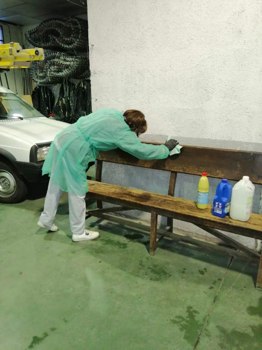 http://www.toledo.es/wp-content/uploads/2020/03/desinfeccion-instalaciones-municipales_2-900x1200.jpeg. El Ayuntamiento ofrece pautas para la recogida de residuos en hogares con Covid-19 y apela a la responsabilidad de la ciudadanía