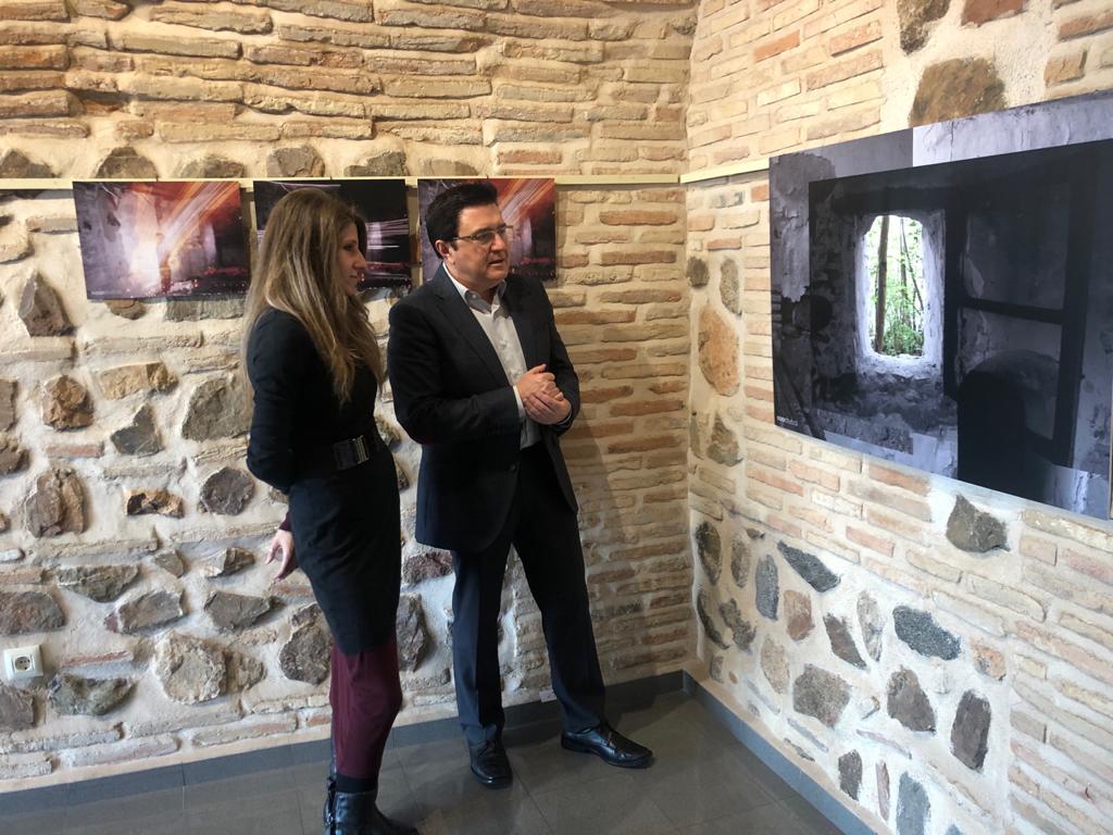 https://www.toledo.es/wp-content/uploads/2020/03/teo-garcia_exposicion-fotografia.jpeg. La artista y fotógrafa Noor Shurbaji expone una interesante colección de imágenes en Ar+51 y recibe el respaldo municipal
