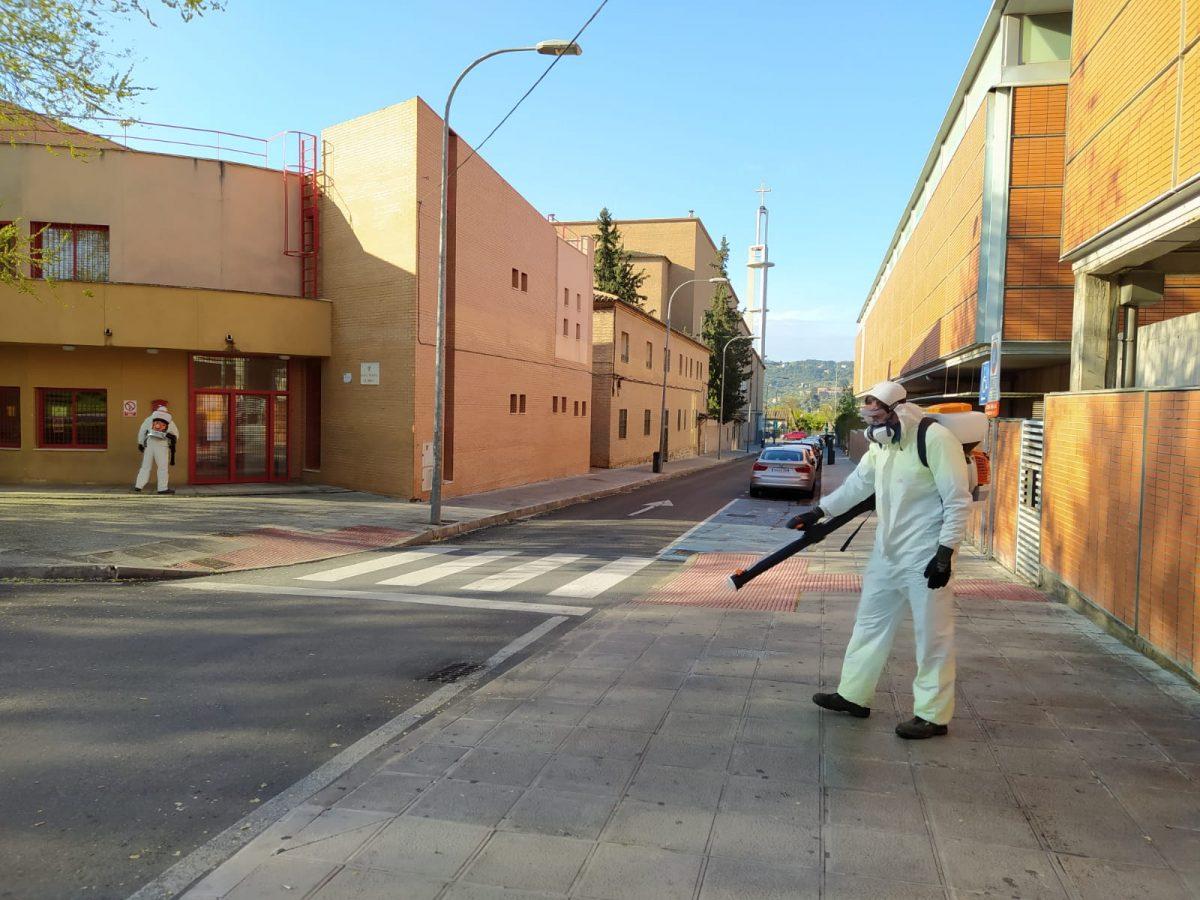 http://www.toledo.es/wp-content/uploads/2020/04/limpieza-incorporacion-mochilas-mecanicas_1-1200x900.jpeg. El Ayuntamiento incorpora nuevos medios mecánicos al servicio de limpieza y desinfección de espacios públicos frente al Covid-19
