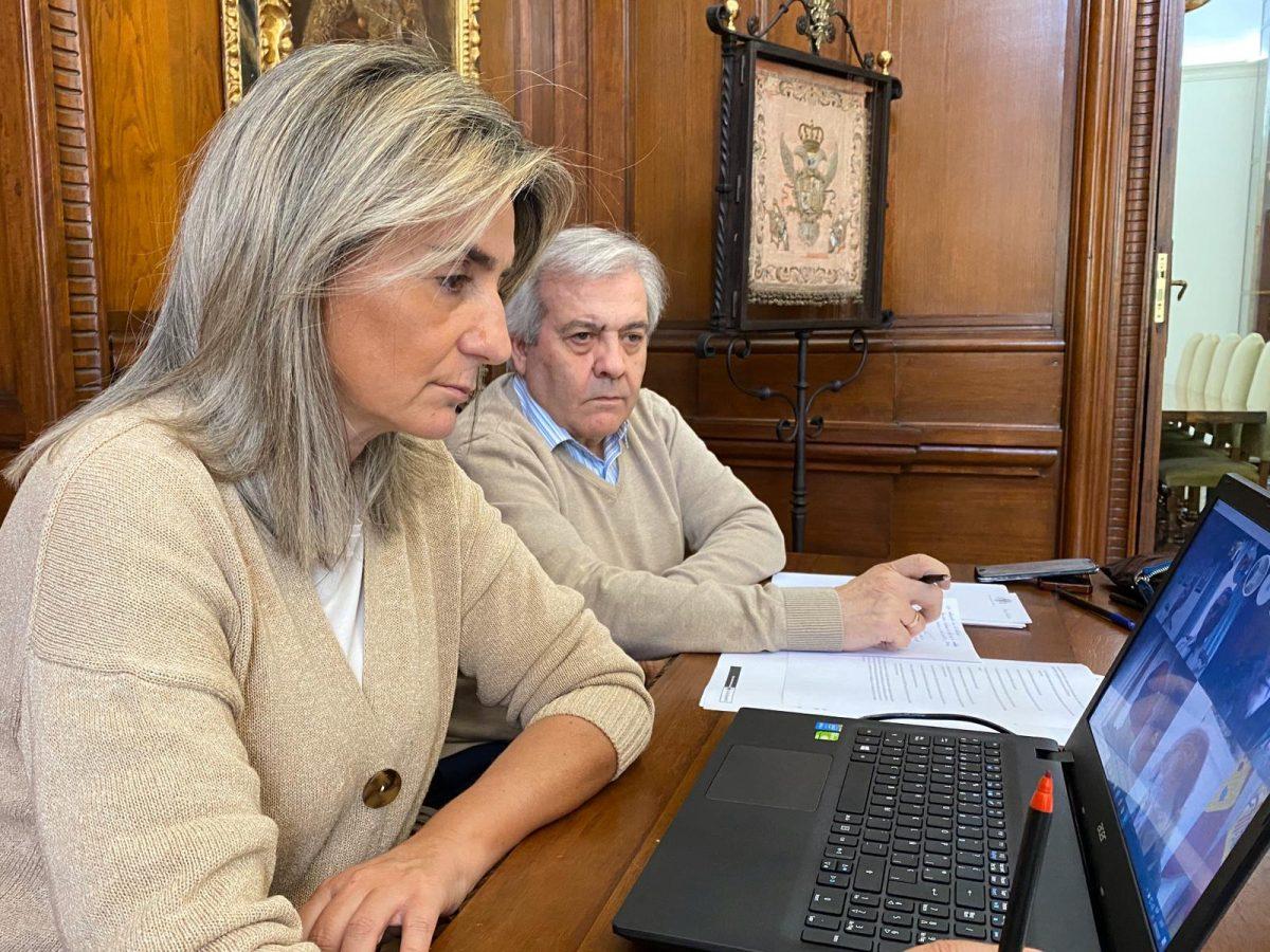 http://www.toledo.es/wp-content/uploads/2020/04/milagros-tolon_junta-de-seguridad-1200x900.jpeg. El Ejecutivo local destaca en la Junta de Seguridad la entrega de material de protección que coordina la Delegación del Gobierno