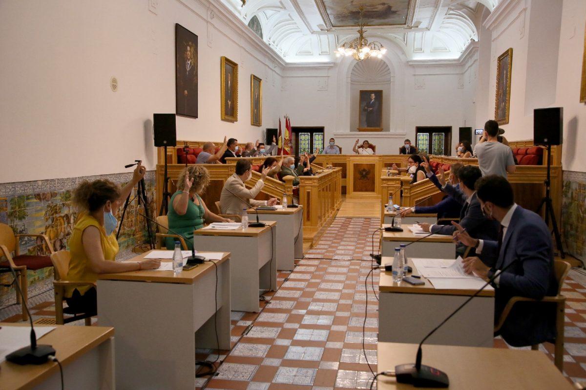 https://www.toledo.es/wp-content/uploads/2020/06/11_pleno_municipal-1200x800.jpg. El Pleno insta en el marco del Día Nacional del Orgullo a romper los estereotipos del colectivo y reivindica la aprobación de la ley LGTBI