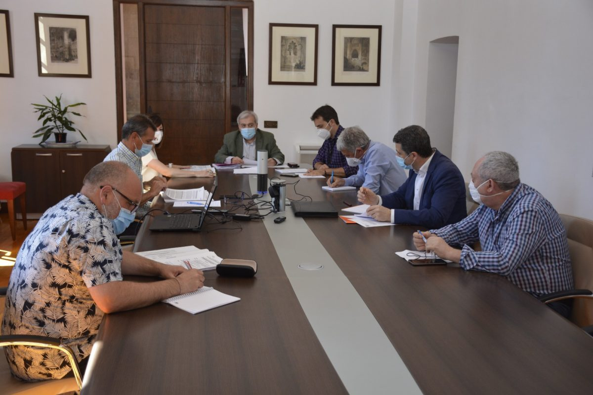 https://www.toledo.es/wp-content/uploads/2020/06/20200605_consejo_rector-1200x800.jpeg. El Consejo Rector del Patronato Deportivo Municipal aprueba la unificación y simplificación de tasas