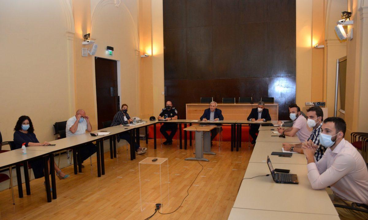 https://www.toledo.es/wp-content/uploads/2020/06/comision-movilidad-01-1200x719.jpg. La Comisión de Movilidad ratifica la prohibición de botellón para evitar posibles contagios