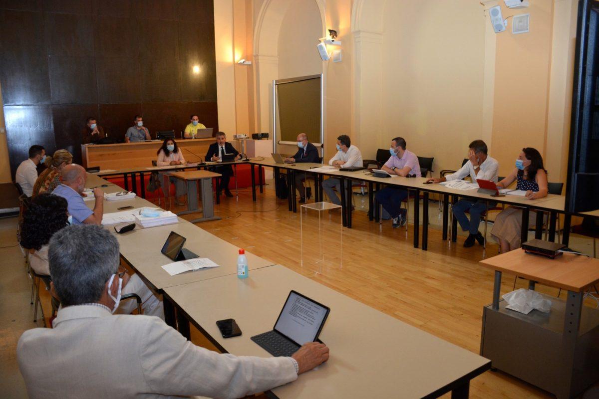 https://www.toledo.es/wp-content/uploads/2020/06/comision_hacienda-01-1-1200x800.jpg. La Comisión de Hacienda aprueba por unanimidad las ayudas a la vivienda y la conciliación laboral para familias toledanas
