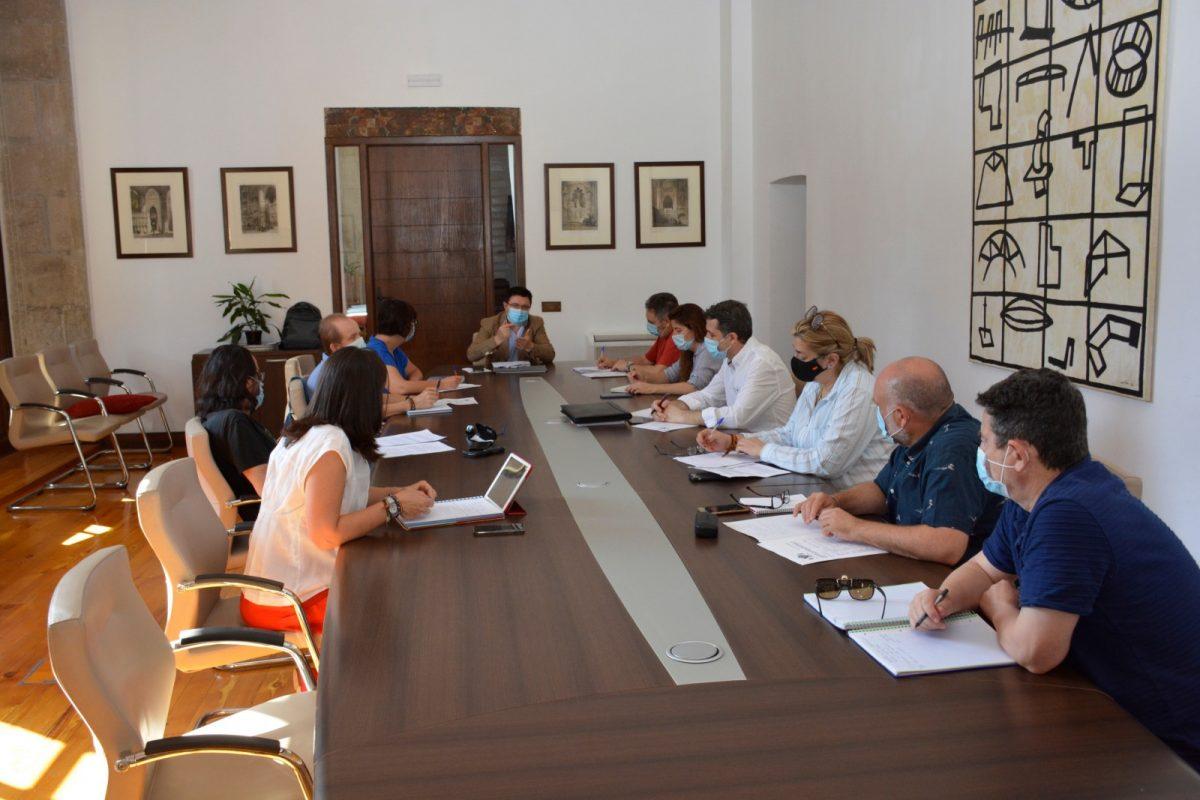 https://www.toledo.es/wp-content/uploads/2020/06/consejo-de-cooperacion_1-1200x800.jpg. El Gobierno local mantiene su compromiso con la Cooperación Internacional y los más vulnerables a pesar de la situación post Covid