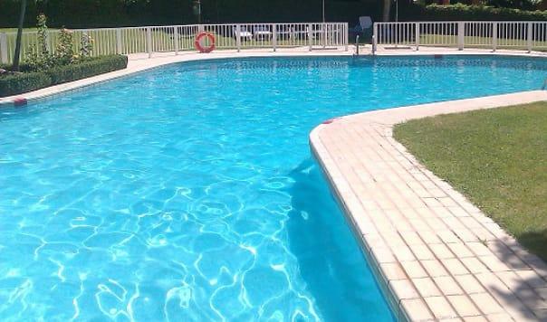 https://www.toledo.es/wp-content/uploads/2020/06/piscina.jpeg. COVID-19 Piscinas comunitarias. Temporada 2020
