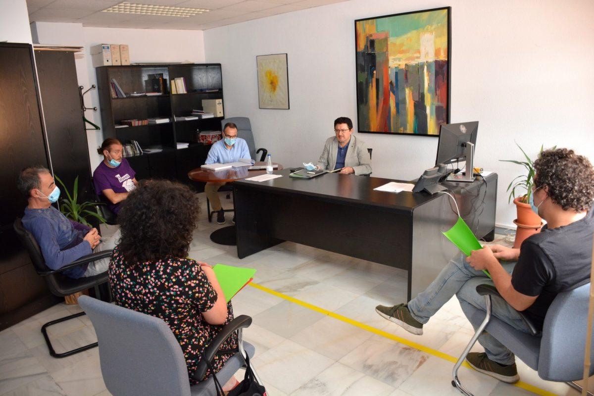 https://www.toledo.es/wp-content/uploads/2020/06/reunion_cultura_01-1200x800.jpg. El Ayuntamiento apoyará iniciativas para que Toledo continúe siendo el mejor escenario de eventos poéticos y narrativos
