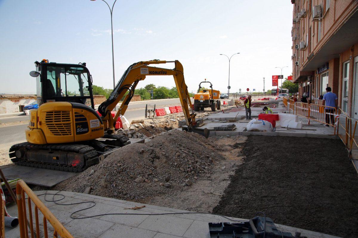 https://www.toledo.es/wp-content/uploads/2020/07/19_obras_bulevar_barbara-1200x800.jpg. El Paseo de la Rosa sumará en el nuevo bulevar más de 100 árboles y 2.000 arbustos como nuevo espacio peatonal y sostenible
