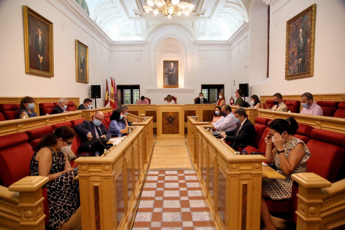 https://www.toledo.es/wp-content/uploads/2020/07/1_pleno-1200x800.jpg. El Pleno aprueba incluir en el Consejo Local de Medio Ambiente un punto concreto sobre bienestar animal y tenencia responsable