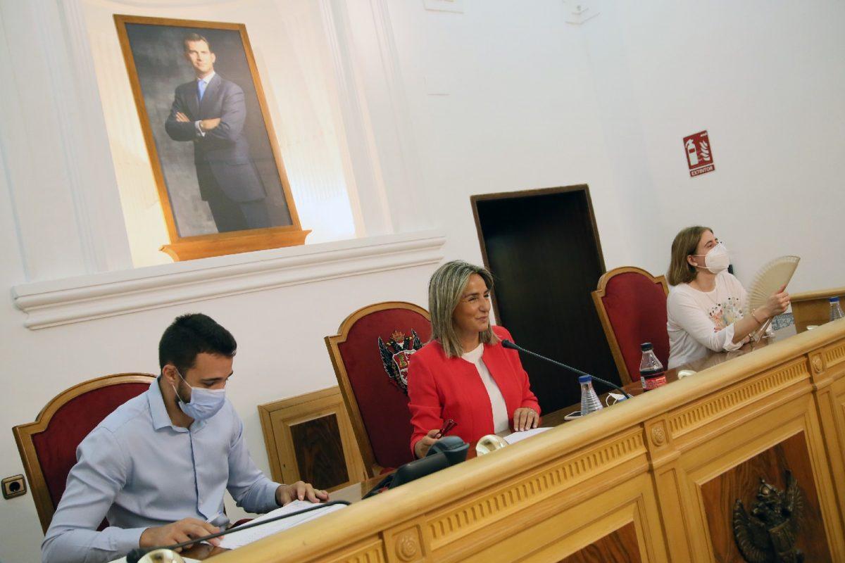 https://www.toledo.es/wp-content/uploads/2020/07/1_votacion_debate_ciudad-1200x800.jpg. El consenso y la unidad marcan el Debate del Estado de la Ciudad que se cierra con la aprobación de 38 propuestas