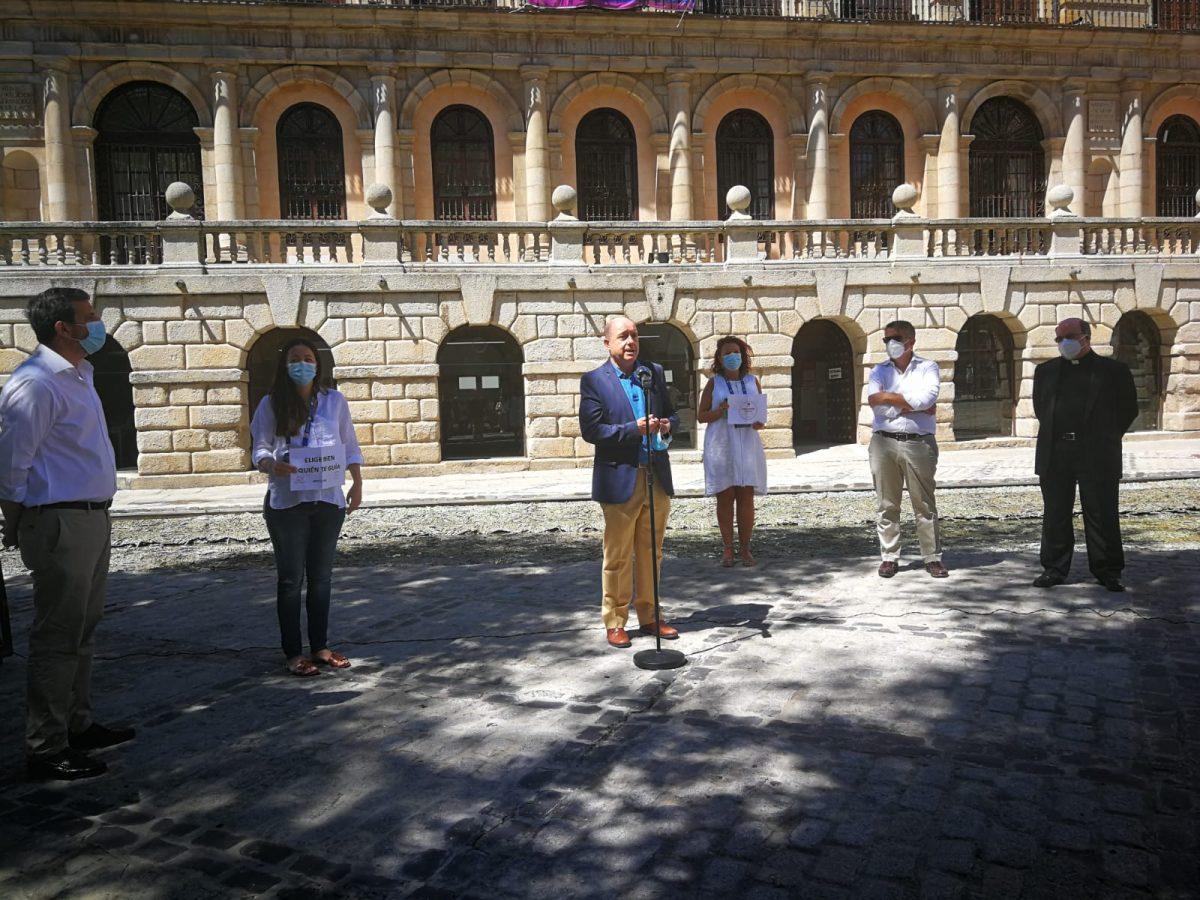 https://www.toledo.es/wp-content/uploads/2020/07/20200701_francisco-rueda_guias-oficiales-turismo-1200x900.jpeg. El Gobierno local se suma a la concentración de guías oficiales de turismo y les traslada su apoyo y ánimo ante la reactivación del sector