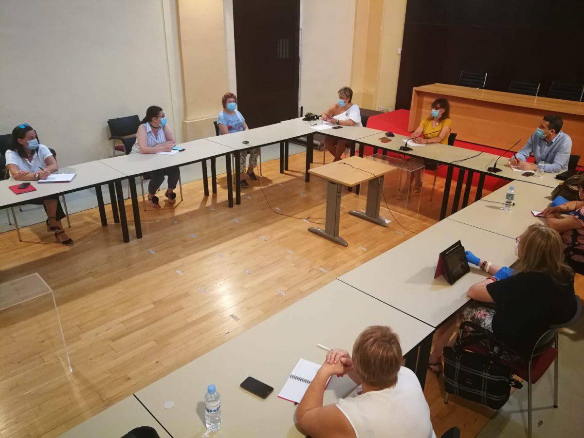 https://www.toledo.es/wp-content/uploads/2020/07/20200714_consejo-local-de-la-mujer-1200x900.jpeg. El Consejo Local de la Mujer estudia todos los escenarios posibles para adaptar su calendario de actos, como el 25N, a la situación sanitaria