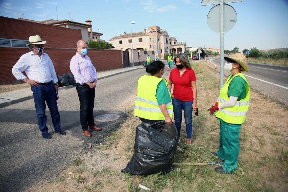 https://www.toledo.es/wp-content/uploads/2020/07/20200729_desbroces_planempleo-2-1200x800.jpeg. El Ayuntamiento convocará en las próximas semanas 24 plazas para los talleres del programa de recualificación y reciclaje profesional