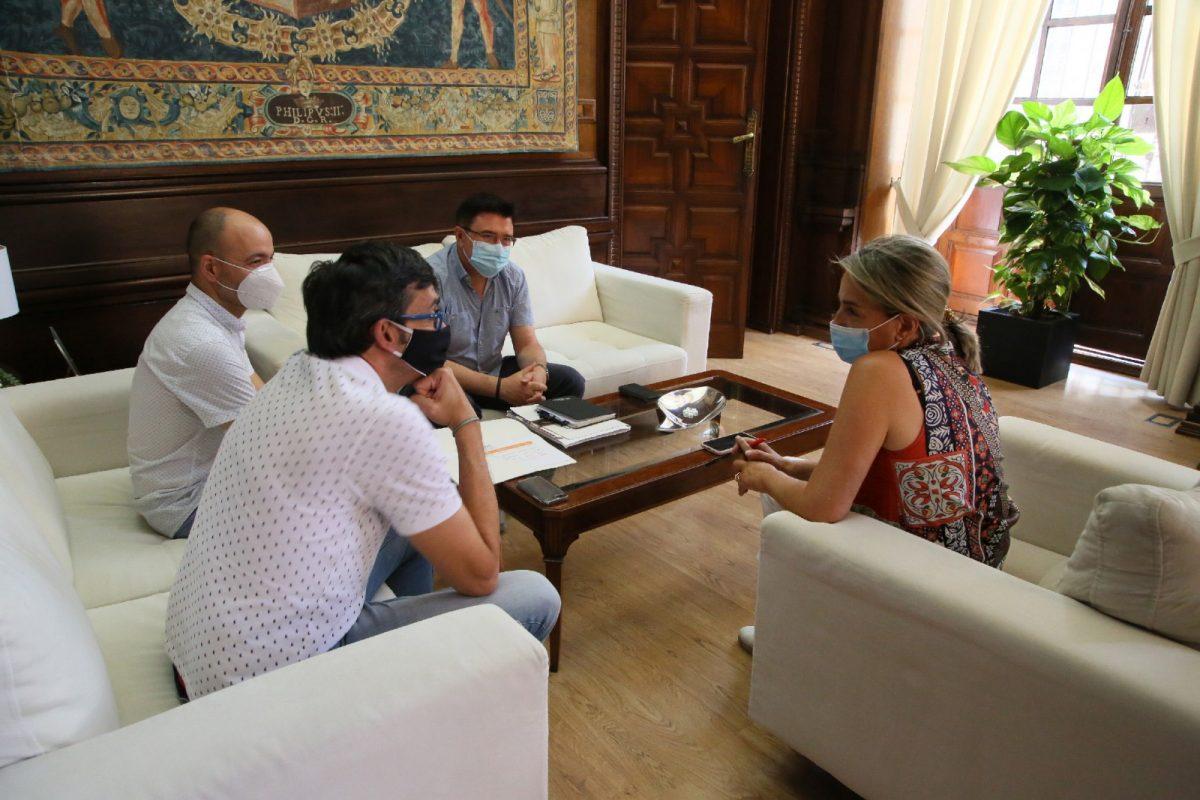 https://www.toledo.es/wp-content/uploads/2020/07/3_reunion_cultura-1200x800.jpg. Milagros Tolón respalda la séptima edición del Festival de Música El Greco ya que posiciona a Toledo como referente cultural
