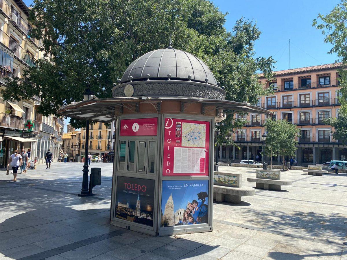https://www.toledo.es/wp-content/uploads/2020/07/quiosco_turismo_zocodover-1200x900.jpeg. El Ayuntamiento abrirá de manera inmediata un punto de información turística en la plaza de Zocodover