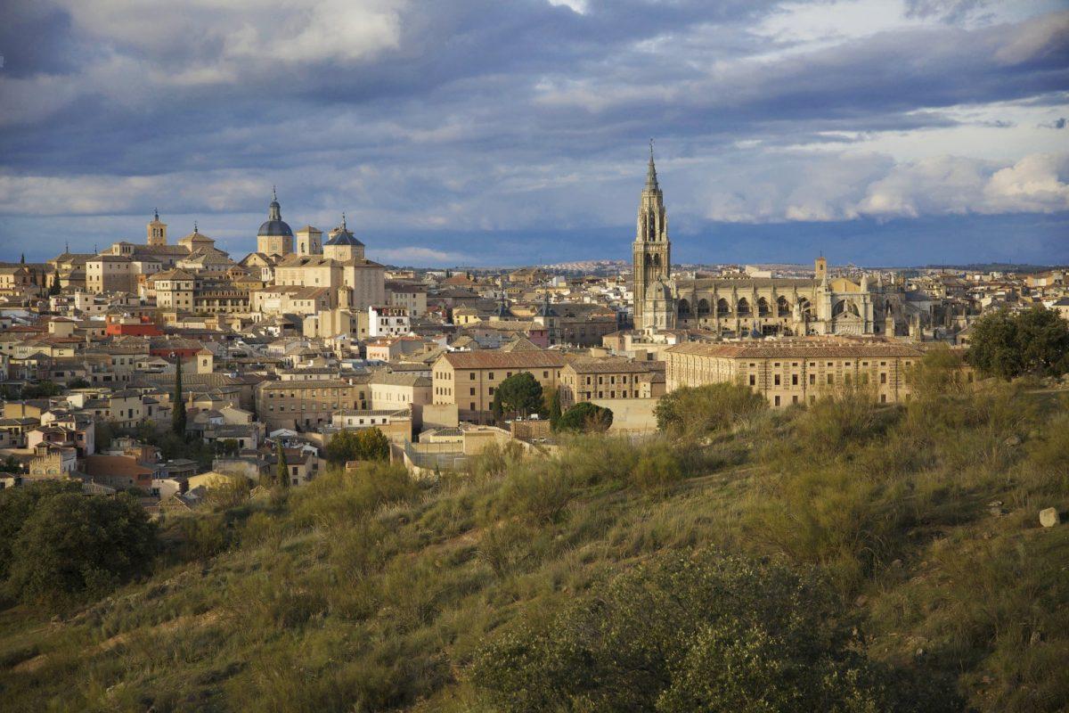 https://www.toledo.es/wp-content/uploads/2020/09/07_panoramica-1200x800.jpg. Toledo y las Ciudades Patrimonio apuestan por ser la punta de lanza de la cultura segura y la conservación del patrimonio