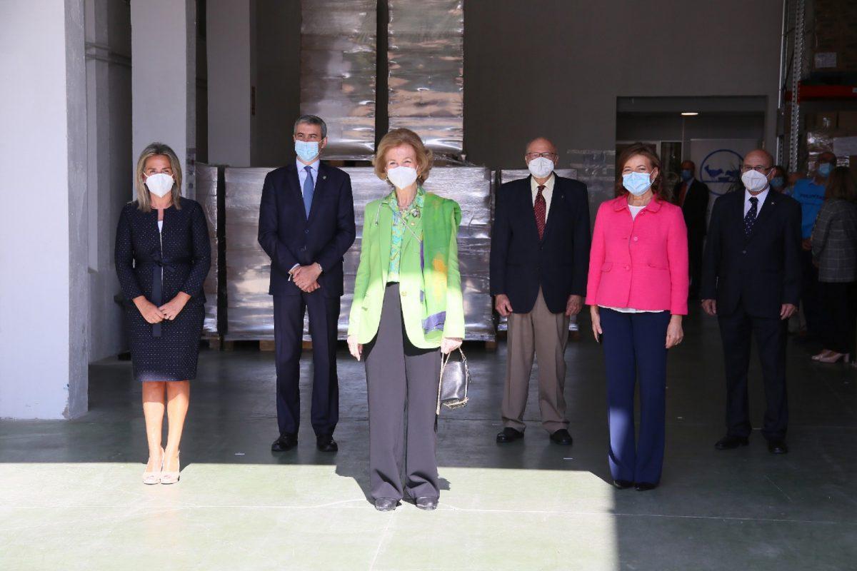 https://www.toledo.es/wp-content/uploads/2020/09/11_banco_alimento_sofia-1200x800.jpg. La alcaldesa asiste a la visita de la reina Sofía al Banco de Alimentos y reitera el compromiso municipal con la entidad