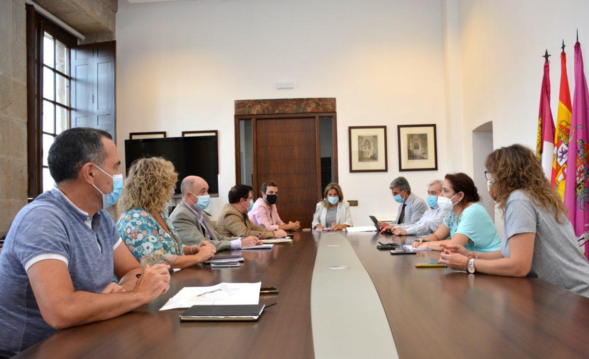https://www.toledo.es/wp-content/uploads/2020/09/junta-de-gobierno-local-01-1200x731.jpg. Obras de mejora de eficiencia y sostenibilidad de alumbrado público por 220.000 euros