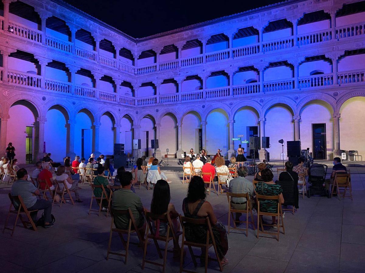 """https://www.toledo.es/wp-content/uploads/2020/09/noche-del-patrimonio-2020-3-1200x900.jpeg. Toledo vive con éxito y responsabilidad la tercera edición de 'La Noche del Patrimonio' adaptada a las """"circunstancias covid"""""""