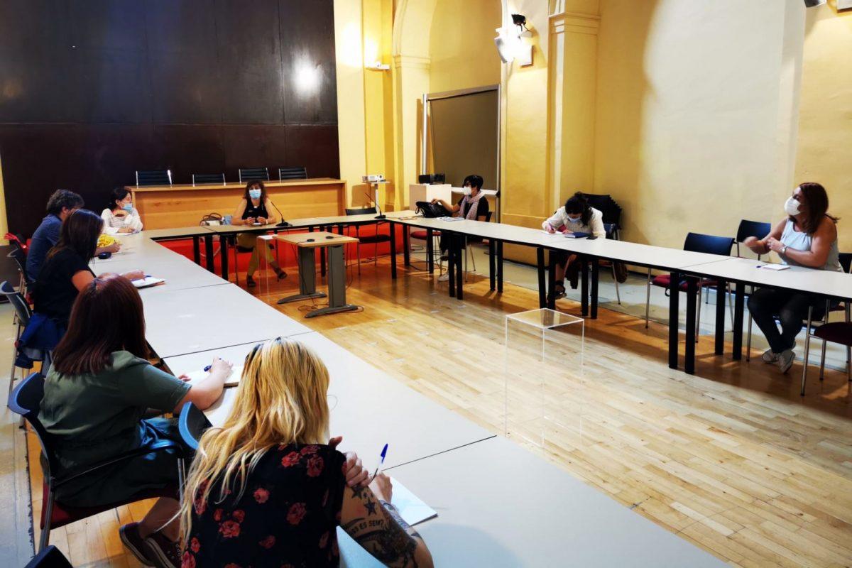 https://www.toledo.es/wp-content/uploads/2020/09/reunion-entidades-refugiados-01-1200x800.jpeg. El Gobierno municipal se reúne con entidades sociales para abordar las necesidades de los refugiados de la ciudad