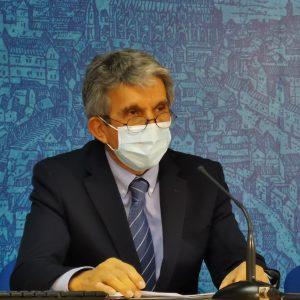 l Gobierno local informa en la Comisión de Urbanismo de la permuta de los terrenos de la Guardia Civil y del estudio del AVE