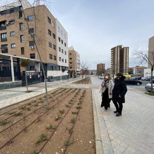 l Ayuntamiento mejora la imagen de la calle Río Valdehuesa a través de un taller del Plan Local de Integración Social
