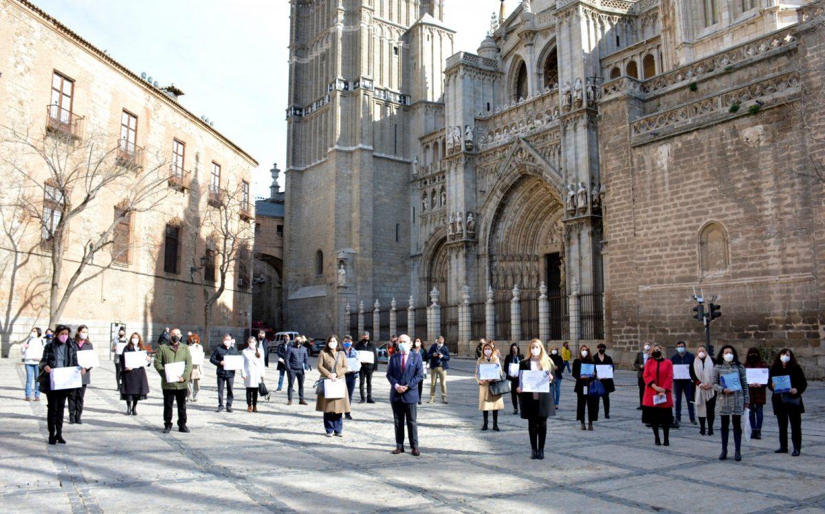 https://www.toledo.es/wp-content/uploads/2021/02/entrega-sicted-01-1200x747.jpg. Toledo avanza en su compromiso con la calidad y seguridad turística y acredita a nuevas empresas con el distintivo SICTED