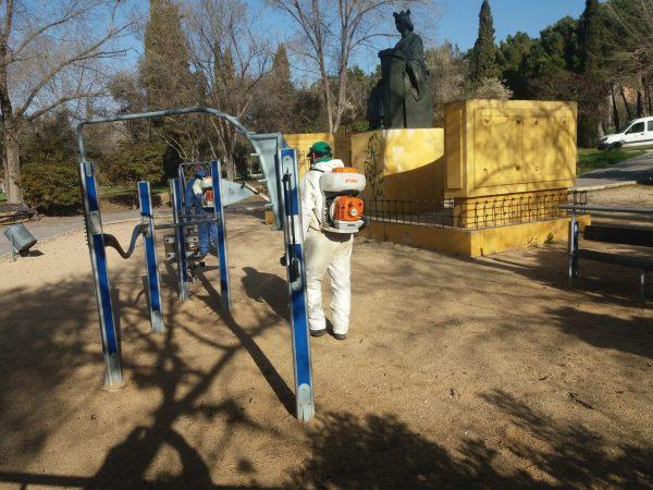 Limpieza áreas infantiles y street workout (2)