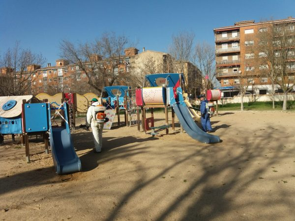 Limpieza áreas infantiles y street workout (3)