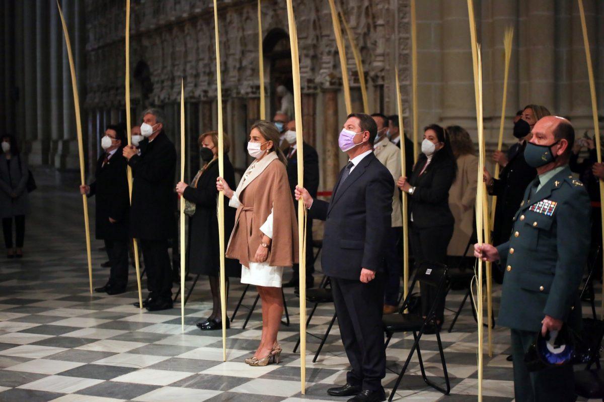 https://www.toledo.es/wp-content/uploads/2021/03/domingo_ramos_12-1200x800.jpg. La alcaldesa participa en la celebración del Domingo de Ramos en la Catedral Primada
