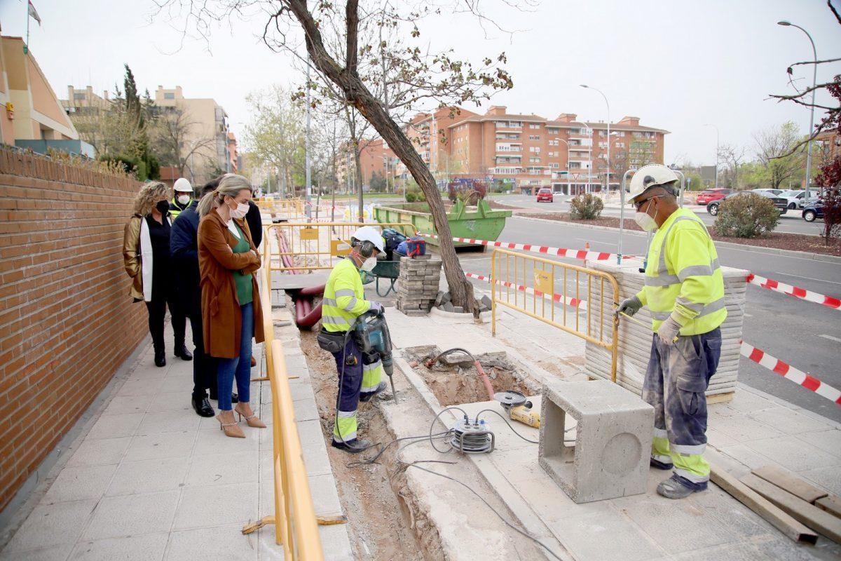 https://www.toledo.es/wp-content/uploads/2021/03/iluminacion_guadarrama_led_6-1200x800.jpg. El Ayuntamiento ultima la renovación del alumbrado público de la avenida Río Guadarrama con más luz en la acera y la calzada