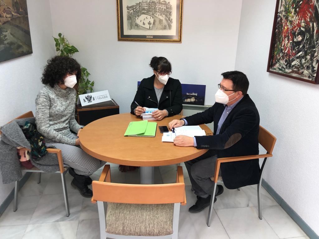 https://www.toledo.es/wp-content/uploads/2021/03/reunion-con-medicos-del-mundo-01.jpeg. El Ayuntamiento mantiene su compromiso y colaboración con el acceso a la salud que promueve Médicos del Mundo