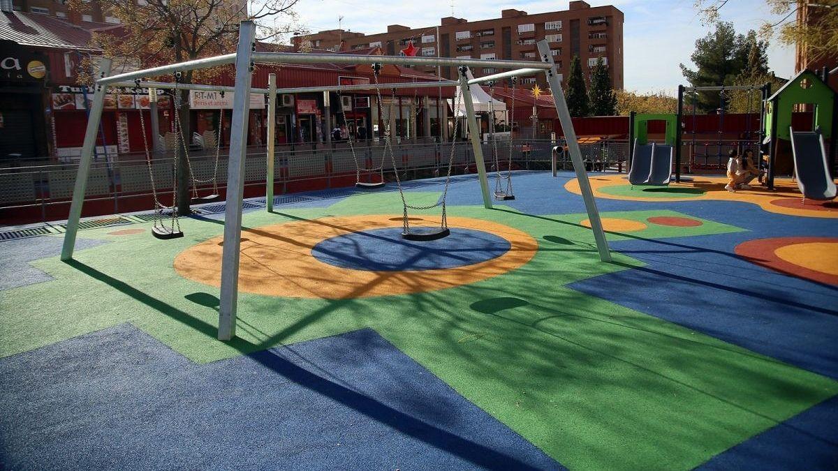 https://www.toledo.es/wp-content/uploads/2021/03/zona-infantil.jpg. Comienzan los nuevos servicios de mantenimiento y conservación de parques y jardines, y el mantenimiento de áreas infantiles