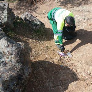 l Consistorio trabaja en la retirada de residuos en el Valle y pide colaboración a la ciudadanía en el mantenimiento de zonas verdes