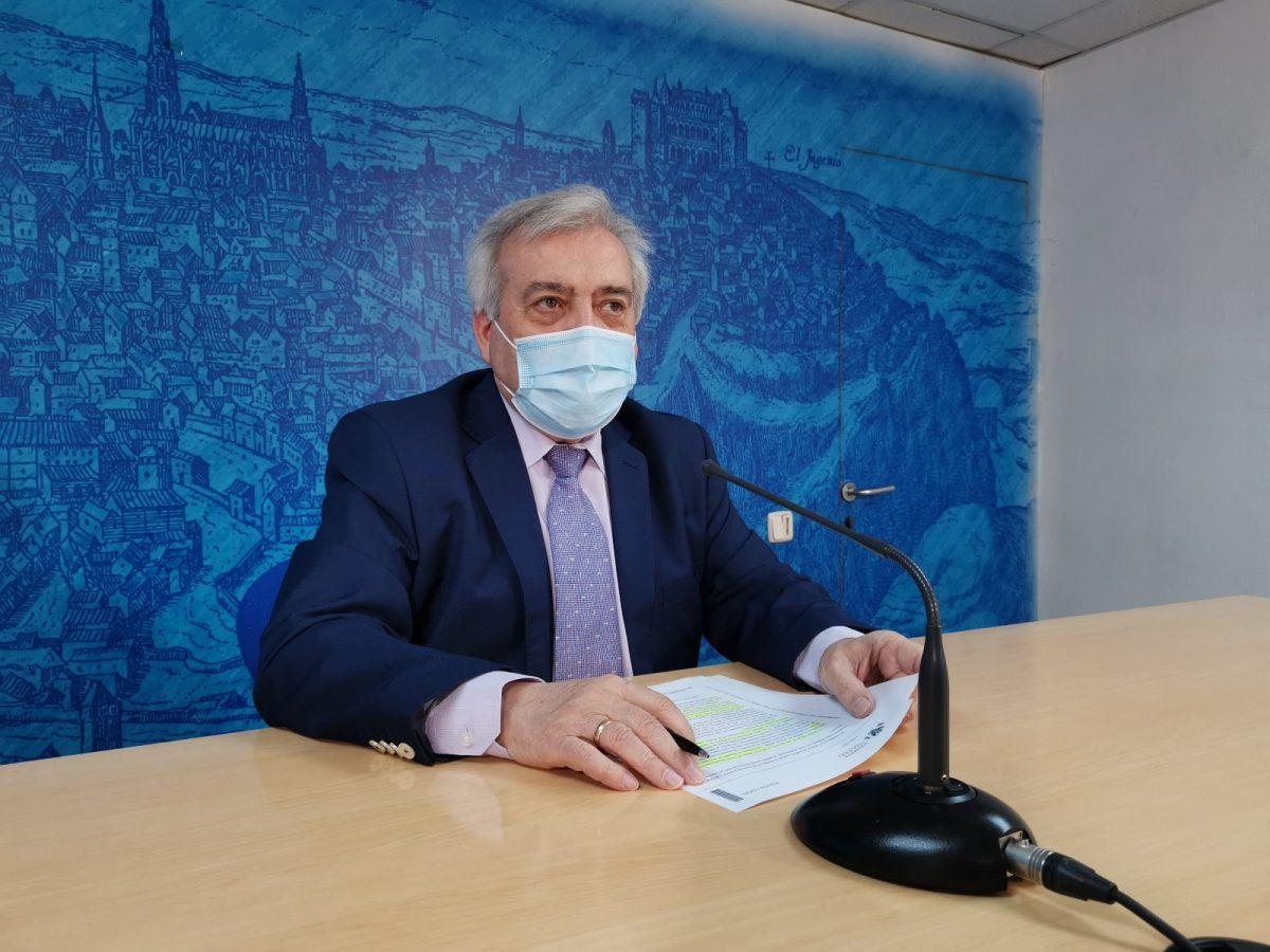 https://www.toledo.es/wp-content/uploads/2021/04/20210426_perezdelpino-1200x900.jpg. El Ayuntamiento inicia una campaña de control del cumplimiento del horario para tirar la basura
