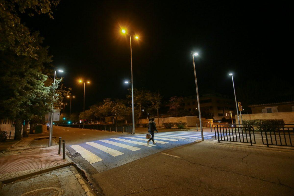 https://www.toledo.es/wp-content/uploads/2021/04/barber_cadiz_03-1200x800.jpg. El Ayuntamiento continúa con la iluminación de pasos de peatones en todos los barrios con una inversión de 60.000 euros
