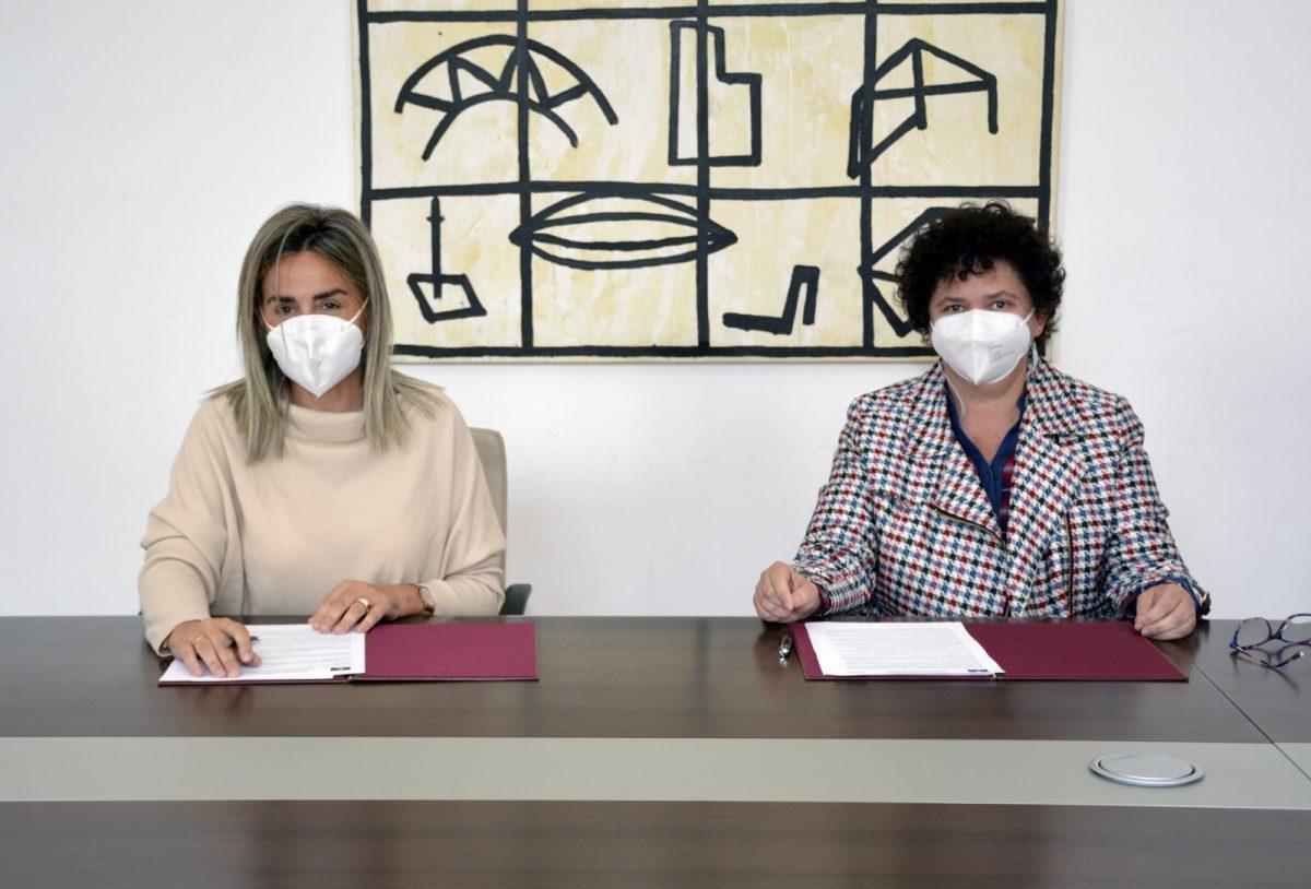 https://www.toledo.es/wp-content/uploads/2021/04/convenio_carmelitas02-1200x814.jpg. Ayuntamiento y Colegio Virgen del Carmen firman un acuerdo para el desarrollo de prácticas en los centros municipales
