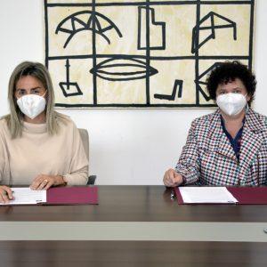 yuntamiento y Colegio Virgen del Carmen firman un acuerdo para el desarrollo de prácticas en los centros municipales